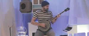Le musicien, comédien : Josué Beaucage